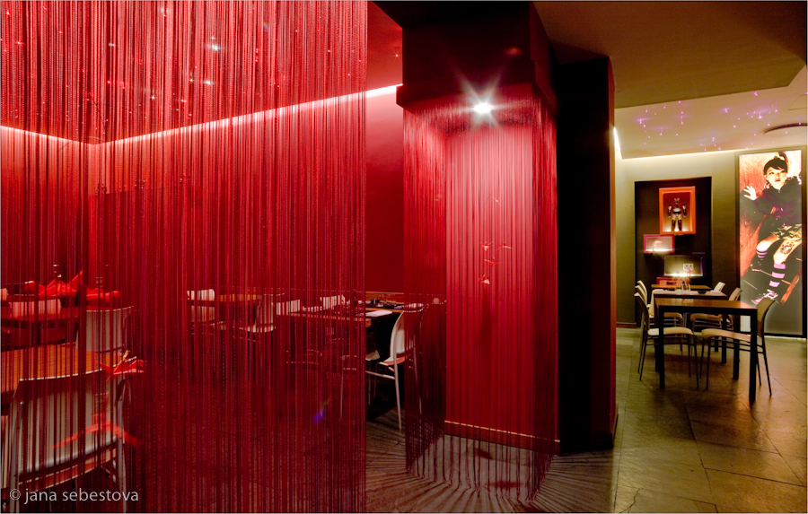 Japanese restaurant KIKI in Turin designed by Daniela Boni